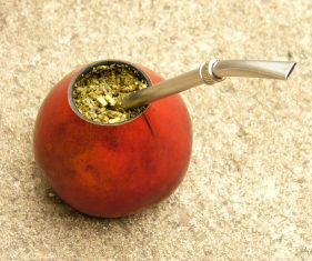 El-polémico-mate-loco-cuando-se-combina-yerba-mate-con-marihuana
